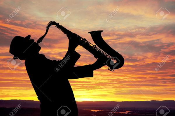 33197429-Saxophonist-Ma
